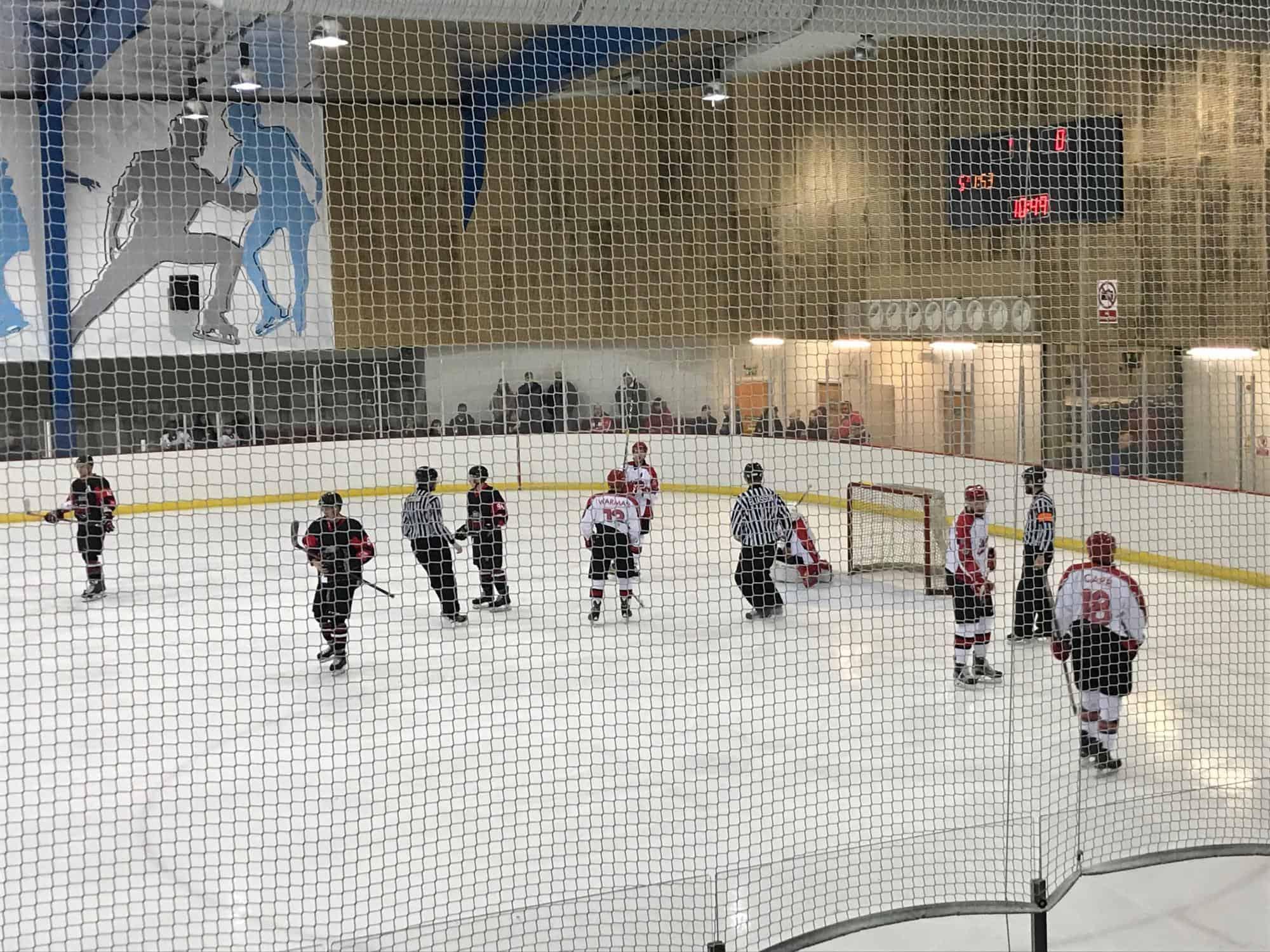 Streatham Redhawks versus Milton Keynes Thunder ice hockey league